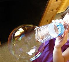 Make bubbles and wand with items you have at home! Homemade bubble recipe using water, corn syrup, and liquid dish soap. Combine with an empty water bottle = tons of big bubble fun! K simply loves bubbles! Kids Crafts, Craft Activities For Kids, Summer Activities, Toddler Activities, Projects For Kids, Diy For Kids, Cool Kids, Bubble Activities, Camping Crafts For Kids