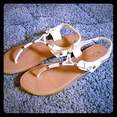 Flats Very cute BNWOT sandals! 385 Shoes Sandals