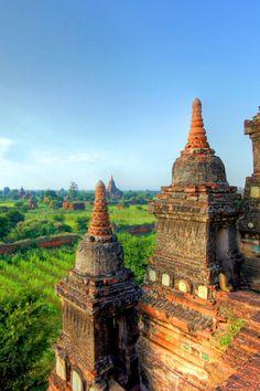 5 reasons to go to Burma.