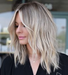 Haircuts For Medium Length Hair, Thin Hair Haircuts, Medium Hair Cuts, Medium Hair Styles, Short Hair Styles, Thin Hairstyles, Shoulder Length Choppy Hair, Shoulder Hair, Hairstyle Short