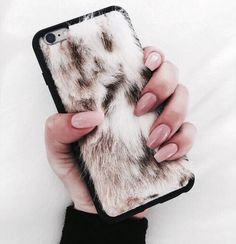 I NEED THIS IM SORRY BUT I DO( if I ever get a phone again )