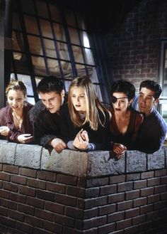 """25 Things You Didn't (or maybe did) Know About the Sets on """"Friends"""""""