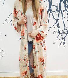 Gorgeous Casual Boho Sprig Outfit Idea With Floral Kimono