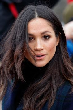 News Photo : Meghan Markle visits Edinburgh Castle on February. Meghan Markle Hair, Meghan Markle Style, Brunette Beauty, Brunette Hair, Hair Beauty, Hair Inspo, Hair Inspiration, Hair Flip, About Hair