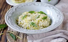 This deliciousy creamy fennel risotto will instantly become a family favourite. If you're looking for new ways to cook with fennel, then explore this recipe! Chef Recipes, Italian Recipes, Cooking Recipes, Healthy Recipes, Fennel Recipes, Risotto Recipes, Foods With Gluten, I Love Food, Paella