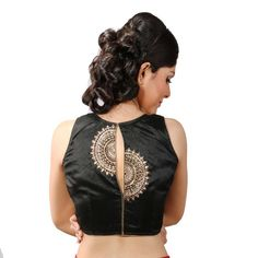 101 Stunning Saree Blouse Back Neck Designs Blouse Back Neck Designs, Saree Blouse Patterns, Fancy Blouse Designs, Designer Blouse Patterns, Saree Blouse Designs, Blouse Styles, Sari Bluse, Mirror Work Saree Blouse, Bollywood