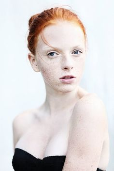 gorgeous. red hair + freckles + milky skin= bliss!