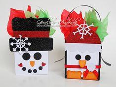 Utilizando el Big Die Fancy Favor (115965) diseñe estas cajas con los personajes de Santa, El Reno Rudolph, Un Muñeco de ...
