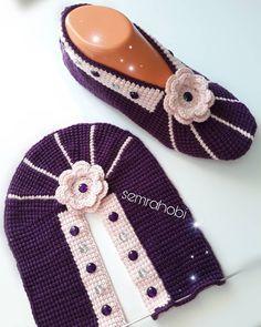 Selamunaleykum My Friends 💜 Have A Happ Friends - Diy Crafts Crochet Baby Beanie, Knitted Slippers, Crochet Slippers, Free Crochet, Knit Crochet, Crochet Hats, Knitting Socks, Baby Knitting, Knitting Patterns