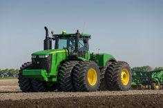 Madcap John Deere - New Holland - Massey Ferguson John Deere Equipment, Heavy Equipment, Tractor Pictures, Jd Tractors, New Tractor, New Holland Agriculture, Farm Boys, Steyr, Truck Accessories