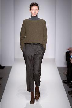~ Living a Beautiful Life ~ London Fashion Week - Margaret Howell Margaret Howell, Looks Street Style, Winter Mode, Minimal Fashion, Mode Inspiration, Mode Style, Fashion Outfits, Womens Fashion, Autumn Winter Fashion
