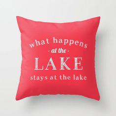 livraison ce qui se passe à la Lake/couverture par RiverOakStudio