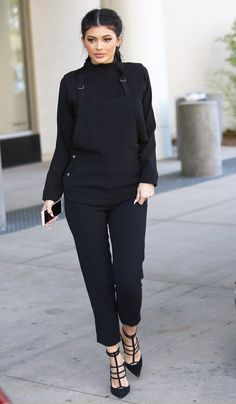 Kylie Jenner wears an all black outfit