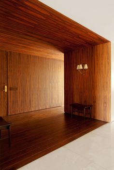 boite sol / mur / plafond - entrée restaurant