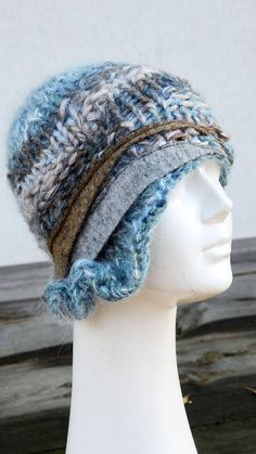 Retro cloche 1920 style grey blue beige cable winter beanie
