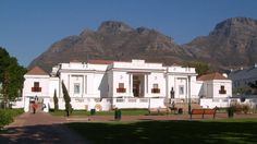 Iziko South African National Gallery in Cape Town, Western Cape, South Africa University Of Cape Town, Cape Town South Africa, National Art, People Art, Africa Travel, Cabo, Installation Art, Around The Worlds, Blog