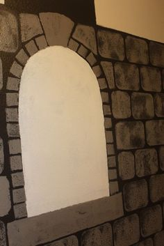Painting castle walls Picture Day frame craft #Kingdom #Rock #VBS