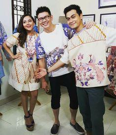 Blouse Batik, Kebaya, Kimono Top, Menswear, Sari, Asian, Clothing, Model, Outfits