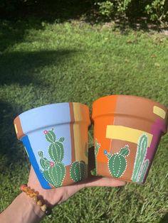Painted Plant Pots, Painted Flower Pots, Painting Terracotta Pots, Plant Painting, Diy Painting, Painting Clay Pots, Pottery Painting Ideas, Flower Pot Art, Flower Pot Design
