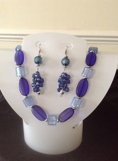Blue oval bead necklace