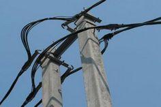 Здравствуйте. В этой статье вы найдете информацию про воздушные линии электропередачи проводами СИП. Изолированные провода уже давно используются в линиях электропередачи напряжением по 20000 Вольт....