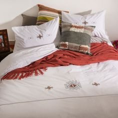 Sunday's are meant to stay in bed! Inspired by the bohemian culture of the and the Boho design is embroidered on white combed cotton percale with a count. Interior Styling, Interior Decorating, Apartments Decorating, Decorating Bedrooms, Decorating Ideas, Decor Ideas, Interior Design, Duvet Sets, Duvet Cover Sets