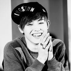 Ukwon. Block B DAMN tht smile!!