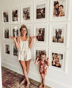 Foto-Inspiration, - Wohnaccessoires - The 2019 Decorating Trends - Family Pictures On Wall, Display Family Photos, Family Picture Walls, Wall Decor Pictures, Hanging Pictures On The Wall, Living Room Pictures, Picture Frame Walls, Pictures In Hallway, Displaying Photos On Wall