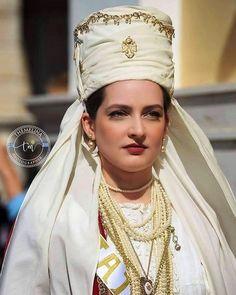 Folk Costume, Costumes, Crown, Greek, Traditional, Jewelry, Fashion, Moda, Corona