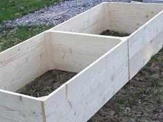 Husprojekt Drömhus: Bygg egna pallkragar! Veg Garden, Garden Paths, Garden Landscaping, Balcony Gardening, Garden Sheds, Vegetable Gardening, Raised Garden Beds, Growing Vegetables, Garden Planning