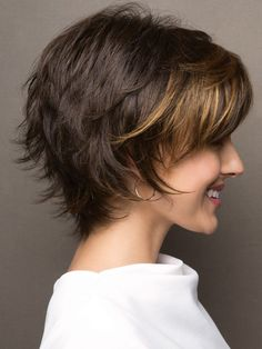 Frisur Ideen 10 einfache Pixie Haircut Styles & Farbideen Picture frames are another example of wedd Short Layered Haircuts, Short Hairstyles For Women, Bob Hairstyles, Bob Haircuts, Short Hair Cuts For Women Easy, Short Layered Bobs, Wedding Hairstyles, Teenage Hairstyles, Simple Hairstyles