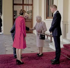Queen Elizabeth II and The Duke of Cambridge greet the President of Germany Frank-Walter Steinmeier and his wife Elke Budenbender outside the Grand Entrance before a private lunch at Buckingham Palace || 28 November 2017
