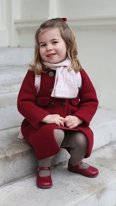 Princess Charlotte's growing up: Prince William and Kate Middleton's only daughter will turn 3 on May Princesa Charlotte, Princesa Diana, Prince And Princess, Princess Kate, Little Princess, Prince Harry, Meghan Markle, Kate Middleton, Prince William Family