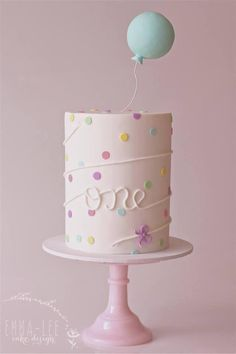 first birthday cake with balloon topper. - Fondant - first birthday cake-Erster Geburtstagskuchen Pretty Cakes, Cute Cakes, Beautiful Cakes, Birthday Cake Girls, Birthday Parties, Birthday Ideas, 1 Year Old Birthday Cake, Birthday Design, Simple Birthday Cakes