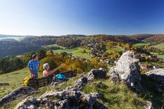Reiseplaza: Bayerischer Jura - Der Jurasteig bezaubert mit einer abwechslungsreichen und naturnahen Landschaft (Foto: epr/Tourismusverband Ostbayern e.V./Stefan Gruber) Bavaria, Hiking Trails, Most Beautiful, Mountains, Nature, Travel, Lifestyle, Check, Air Fresh