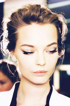 The perfect winged eyeliner via Byrdie