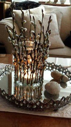 Seljegreiner limt på syltetøyglass.