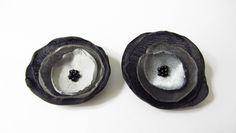 Schuhclips - Schuhclips 2 Organza-Blüten in grau-schwarz - ein Designerstück von soschoen bei DaWanda