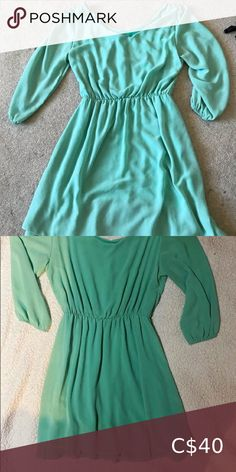 Teal dress Purchased in Paris Size medium Worn a few times Excellent condition Smoke and pet free home Dresses Plus Fashion, Fashion Tips, Fashion Trends, Teal, Smoke, Paris, Times, Summer Dresses, Medium