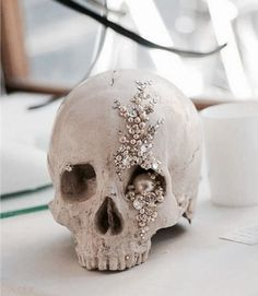 Skull jeweled centerpiece for your classy Halloween wedding! Skull jeweled centerpiece for your classy Halloween wedding! The post Skull jeweled centerpiece for your classy Halloween wedding! appeared first on Halloween Wedding. Halloween Tags, Holidays Halloween, Halloween Crafts, Happy Halloween, Halloween Skull, Halloween Inspo, Chic Halloween Decor, Halloween Weddings, Pretty Halloween