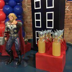 Decoração infantil- Capitão América- Vingadores- avengers- dica de decoração- aniversário vingadores- como decorar a festa do seu filho- idéias de convites-blog gosto tanto