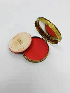 Richard Hudnut Rouge Compact Du Barry With Mirror Vintage Cosmetic – makeup products Vintage Makeup, Vintage Vanity, Vintage Perfume, Vintage Beauty, Vanity Makeup Rooms, Beauty Vanity, Makeup Vanities, Bathroom Vanities, Cosmetics & Perfume