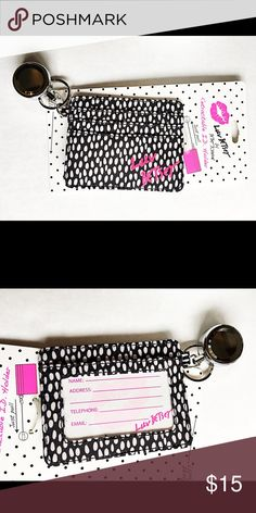 🌟♥️Betsey Johnson Luv retractable ID holder🌟♥️ Brand new Betsey Johnson retractable ID Holder in black and white. Adorable 👯 Betsey Johnson Accessories Key & Card Holders