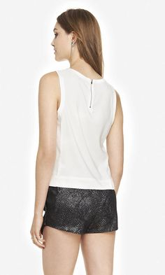 SHORT SILKY SHELL TOP | Express