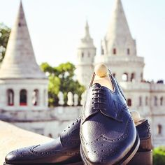 Spring has arrived to Budapest today!   This photo was taken last spring about this Fabula bespoke Budapest model from black calf leather at the place from where you have the most beautiful view on the city. Can't wait to make outdoor photos like this one about our latest models soon.. -------------------------------------------  Order: info@fabulashoes.com ------------------------------------------- #fabulashoes #fabula_bespoke_shoes #bespoke #budapest #welovebudapest #visitbudapest…