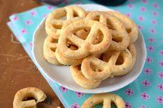 parmezános-zöldfűszeres sós perec Food Website, Onion Rings, Cooking, Ethnic Recipes, Kitchen, Onion Strings, Brewing, Cuisine, Cook