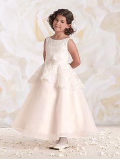 15 Modelos de Vestido de Daminhas de Casamento - Vestido com renda e cintura marcada by Tutti Sposa