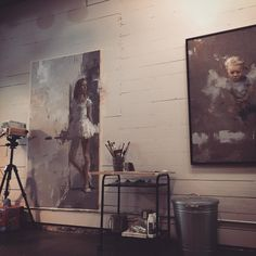 Back in the studio after a long break. I had a surgery and complications took longer then expected. Happy to be back at work! #contemporaryartist #artstudio #contemporaryart #figurativeart #wip #oilpainting #peinture #productiveday #instaart #artiststudio #livingartist