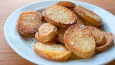 Met deze truc worden je aardappelschijfjes heerlijk krokant! Heerlijk, gebakken aardappeltjes. Lekker als bijgerecht bij elke maaltijd, wij
