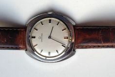 AUCTION ENDING WEDNESDAY 5 FEBRUARY FROM 8pm NEW AUCTIONS STARTING FROM 8.30pm.....MENS VINTAGE CERTINA SWISS MADE MECHANICAL WATCH
